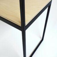 Op maat gemaakte stalen sidetable / wandtafel - Gepoedercoat stalen frame met houten planken - Detail afwerking