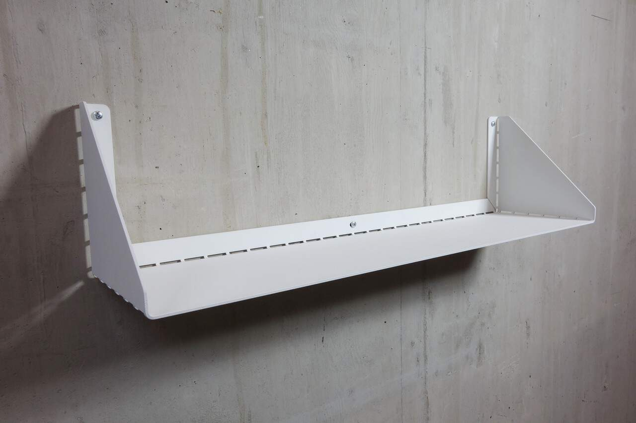 Wandplank van staal afgewerkt met poedercoating