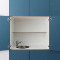Inbouwkast voor woonkamer met spoelbak en scharnieren met openingshoek van 170 graden